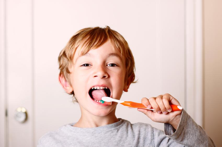 лечение галитоза (причины запаха изо рта)