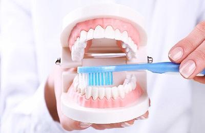 Плюсы и минусы профессиональной чистки зубов
