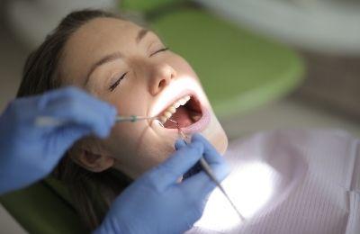 Уход за полостью рта после удаления зуба