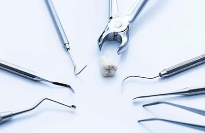 Больно ли удалять зуб и что делать после удаления коренного зуба